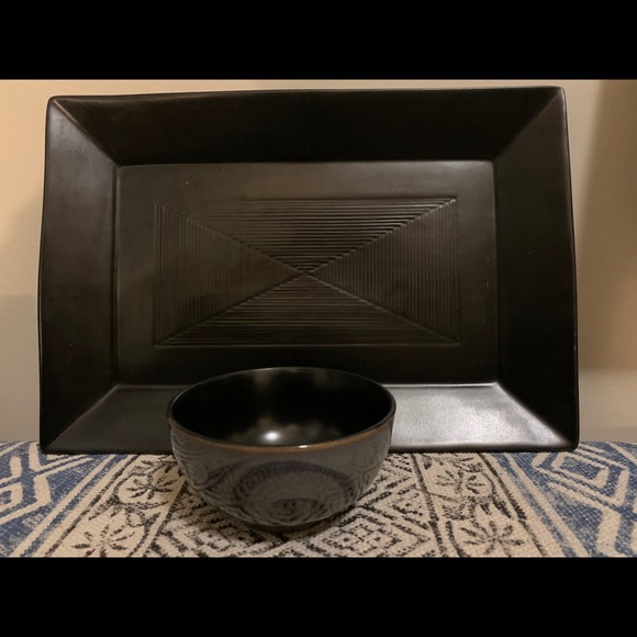 Serving platter with matching bowl.